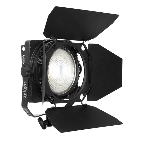 matphoto paris kit eclairage zylight led f8 100 fresnel avec batterie. Black Bedroom Furniture Sets. Home Design Ideas